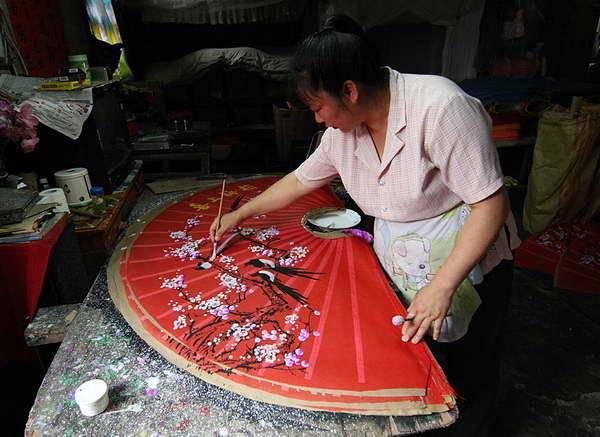 Fan painting fuli village Yangshuo recommended by Yangshuo Village Inn