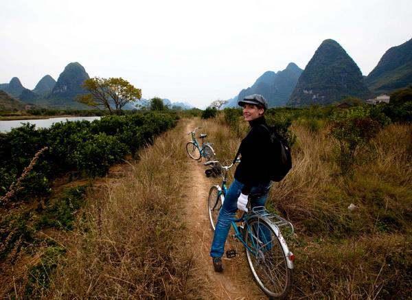 Mountain biking to Yangshuo Village Inn