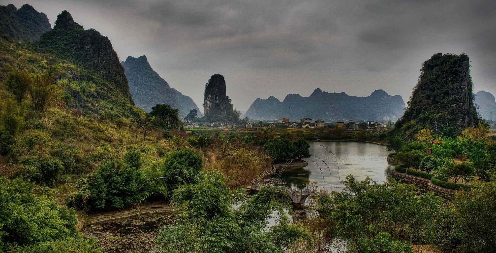 yulong river Yangshuo mountain retreat guilin Yangshuo China